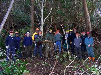Trainees at a 'Lever and Mulch' site in NTS Inverewe Gardens